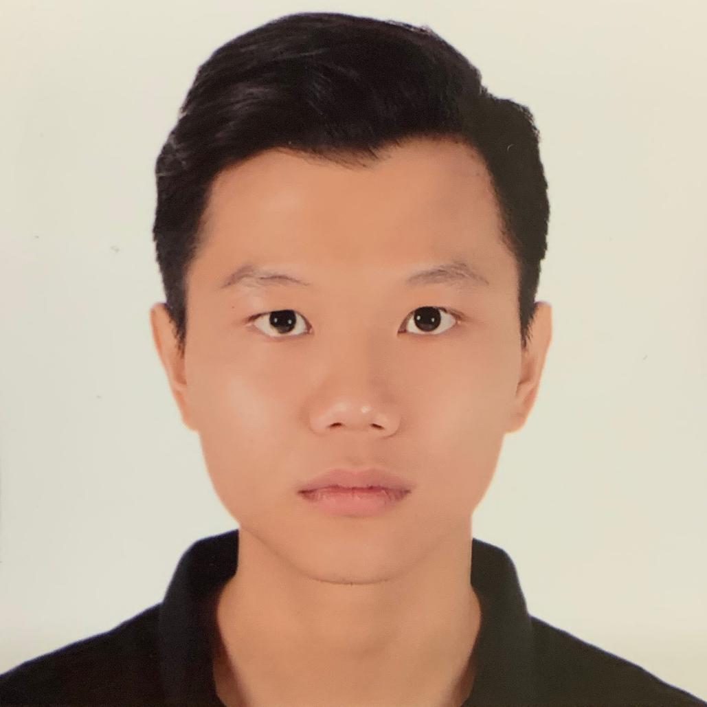 Quang Thai headshot